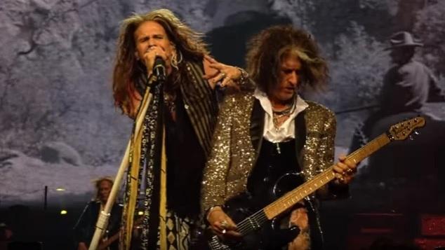 Kitaristi Joe Perry kertoo Aerosmithin myrskyisinä vuosinaan harkinneen Steven Tylerin korvaamista toisella laulajalla