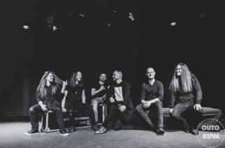 Bloodred Hourglass – Kurkistus musavideon kulisseihin ja uusi kitaristi!