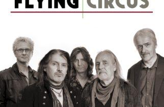 Nimetön kokoelma on massiivinen otanta Flying Circuksen tuotannosta