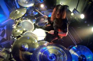 """Machine Headin Matt Alston julkaisi rumpuvideon """"Halo""""-kappaleesta taannoiselta kiertueelta"""