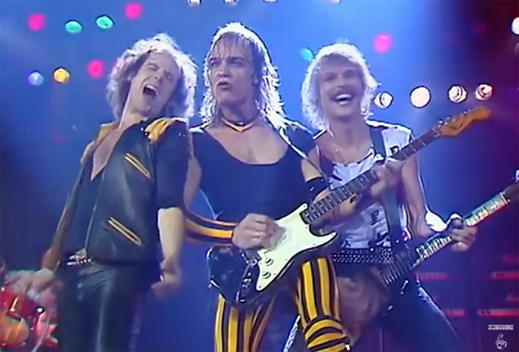 """80-luvun livemenoa Scorpionsin tahtiin: Katso hiljattain julkaistu """"Can't Get Enough"""" -kappaleen livevideo"""