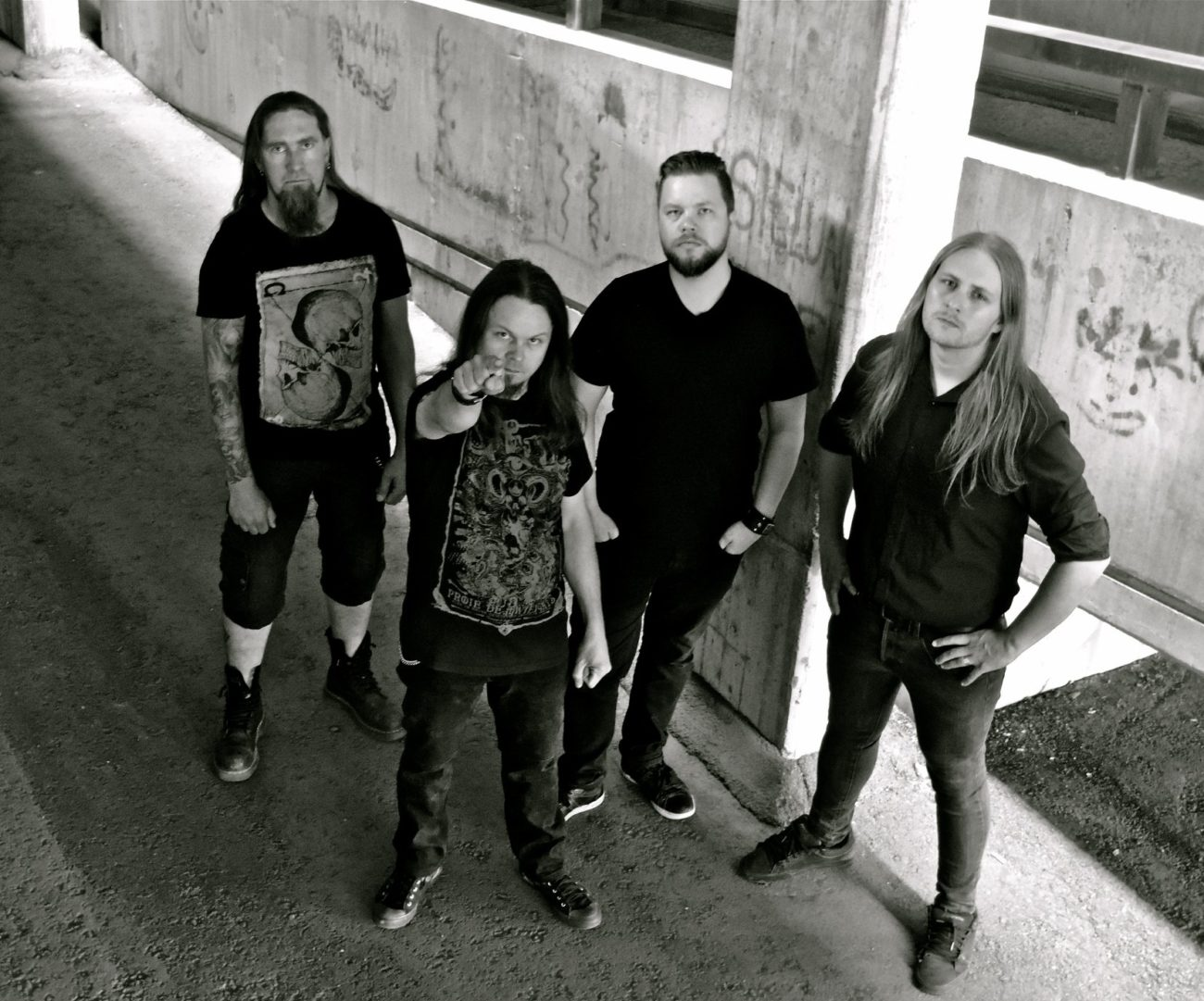 Kotimainen Thy Kingdom Will Burn kiinnitetty Scarlet Recordsille