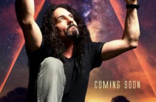 Edesmenneestä Megadeth-rumpali Nick Menzasta kertovan dokumentin kansikuva julki