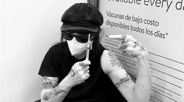 Mötley Crue -kitaristi Mick Mars kertoo saaneensa ensimmäisen rokotuksen koronavirusta vastaan