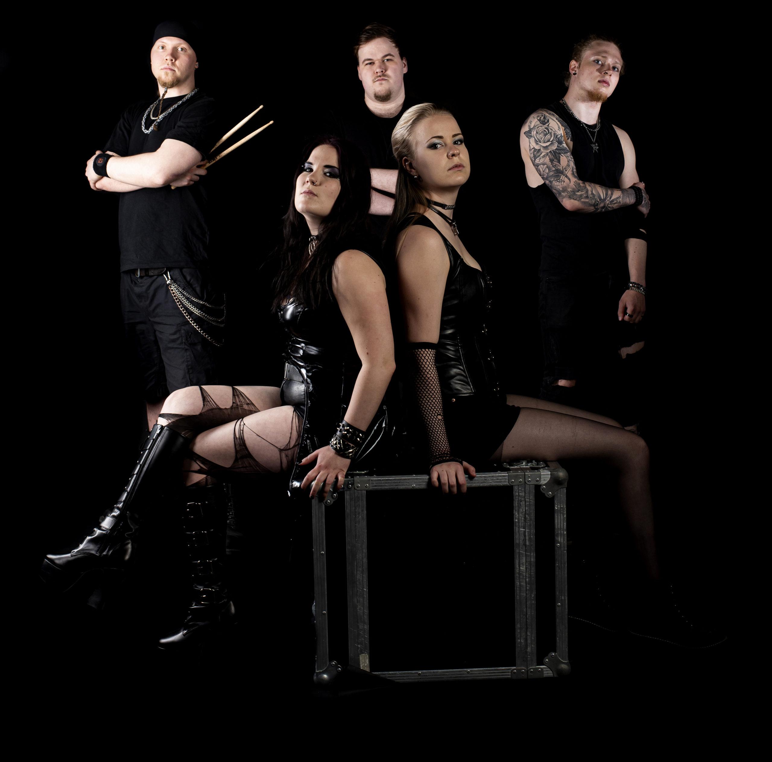 Nevicatelta uusi single: Intensiivistä draamametallia disco-poljennolla