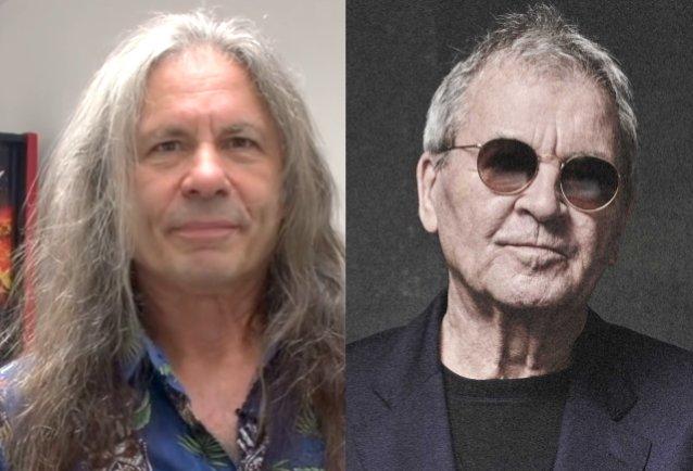 """Iron Maidenin Bruce Dickinson nimeää Ian Gillanin omaksi """"rockjumalakseen"""": """"Deep Purplen 'Speed King' sai minut innostumaan rockista"""""""