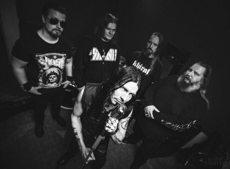 """Kotimainen metallijyrä Khiral julkaisi """"Tiny People"""" -näytteen tulevalta albumiltaan"""