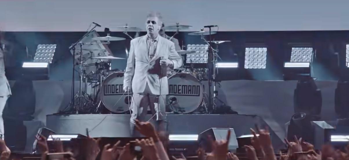 """Lindemann julkaisee Live In Moscow -DVD:n toukokuussa: video """"Praise Abort"""" -kappaleen esityksestä katsottavissa"""