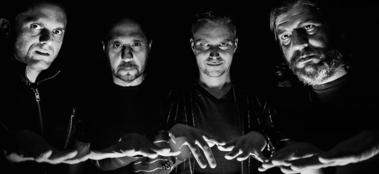"""Satanic Planet julkaisi psykedeelisen musiikkivideon kappaleelleen """"Strangers"""""""