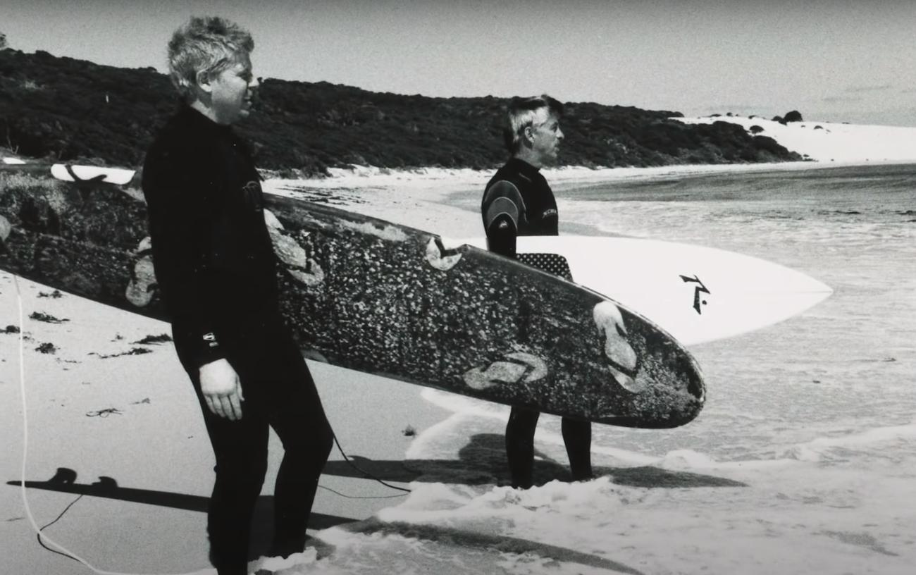 The Offspring opettaa faneilleen surffauksen salat uuden videosarjansa pilottijaksossa
