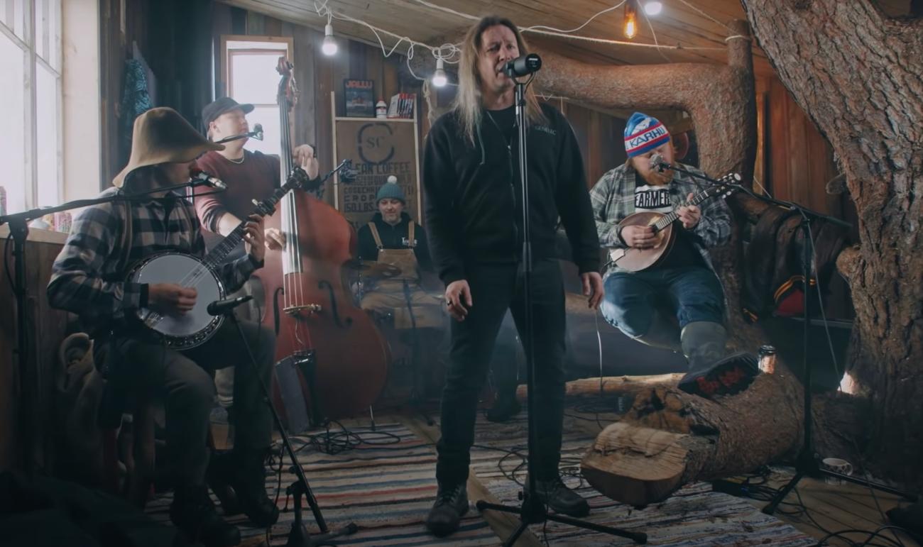 Seagulls' Nest -videosarjan ensimmäisenä vieraana nähtiin Stratovarius-solisti Timo Kotipelto