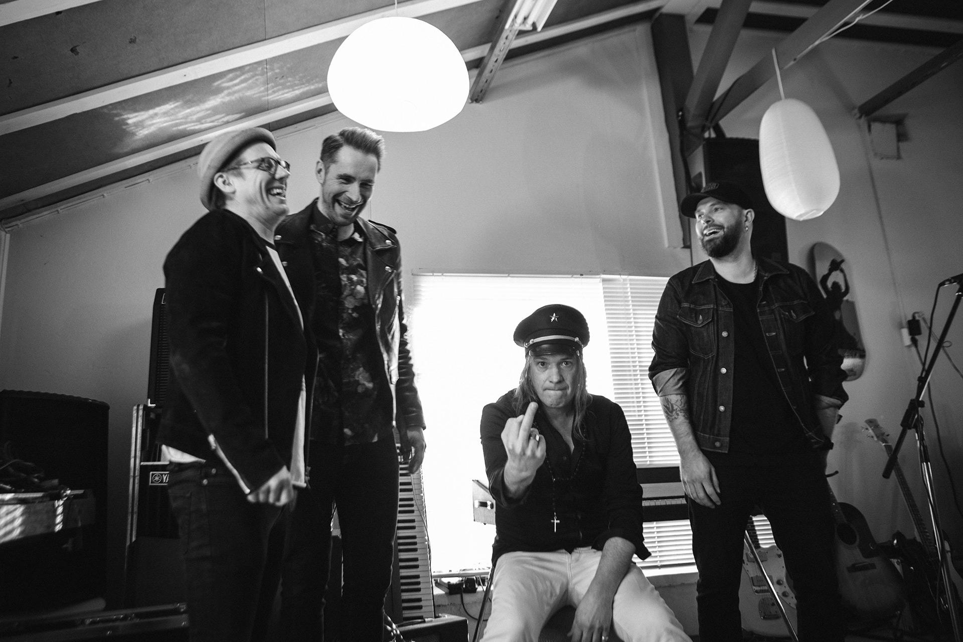 The Bullets pelastaa rokkikevään uudella singlellään
