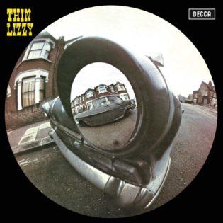 Ajaton albumiklassikko: Thin Lizzyn nimikkodebyytti 50 vuotta
