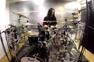 """Tekemisen meininkiä torstaille: katso video Bodom After Midnight -rumpali Waltteri Väyrysestä soittamassa """"Paint The Sky With Blood"""" -EP:n nimikkokappaletta"""