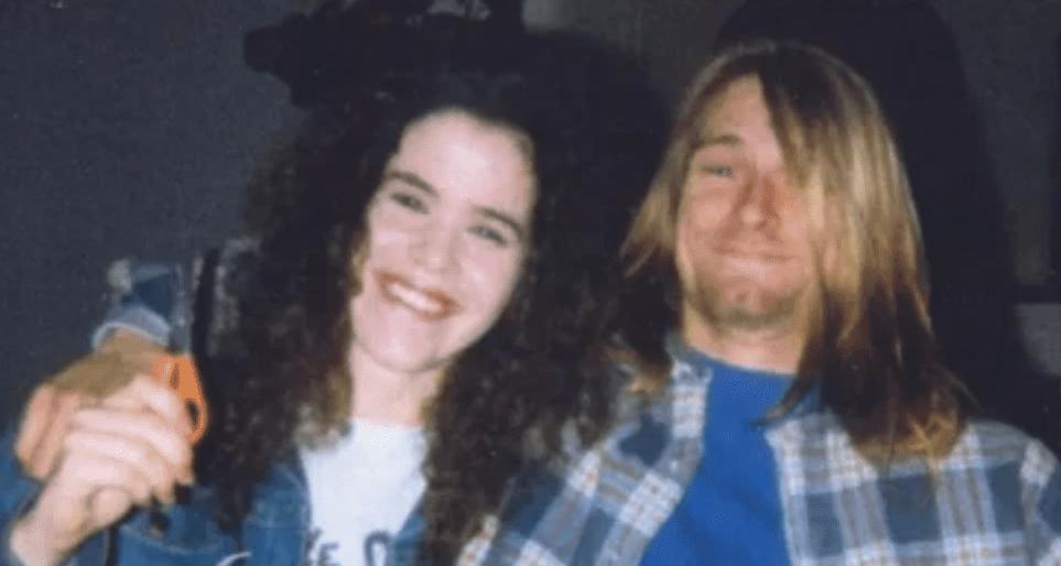Kurt Cobainilta vuonna 1989 leikattuja hiuksia huutokaupataan tuhansien dollarien hintaan