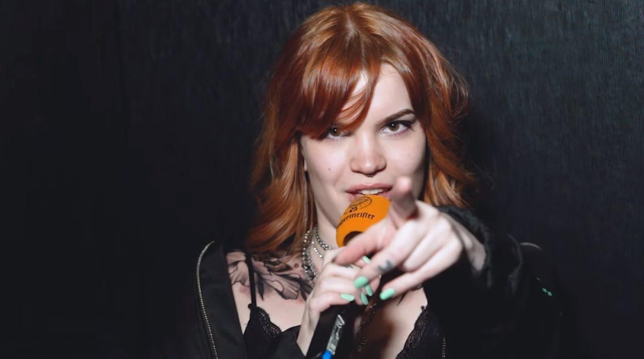 Alternative rockia kansainvälisellä otteella: KaaosTV:n videohaastattelussa Luna Kills -laulaja Lotta Ruutiainen