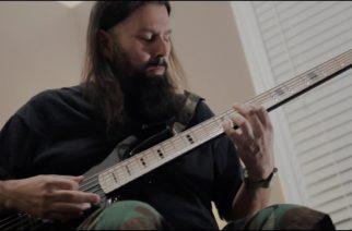 """Deftones-kitaristi Stephen Carpenter julkaisi soittovideon kappaleelle """"Pins And Needles"""""""