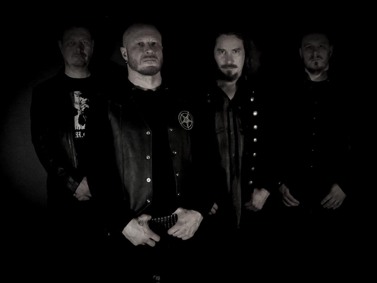 """Kulttiyhtye Darkwoods My Betrothed julkaisi toisen singlensä ja videon """"Murktide and Midnight Sun"""""""