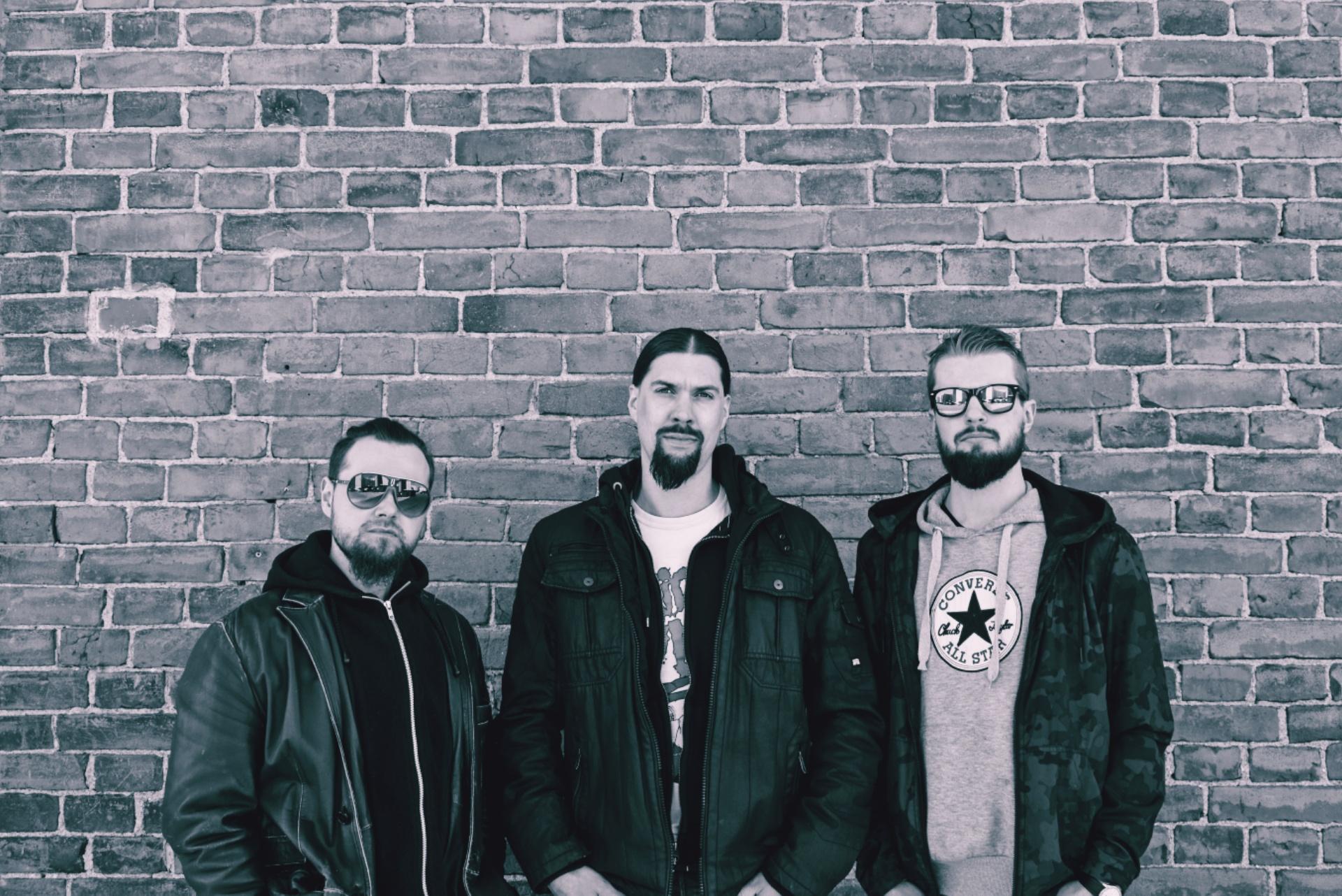 Energinen trio Defeat julkaisi uuden singlen
