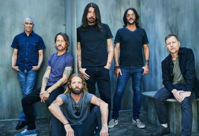 Foo Fighters lykkää tämän viikonlopun keikkaansa koronatapauksen vuoksi