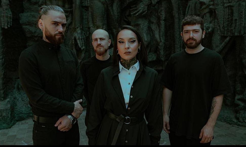 """Jinjeriltä vielä viimeinen maistiainen ennen uutta albumia – Katso uusi """"Wallflower"""" -musiikkivideo täältä"""