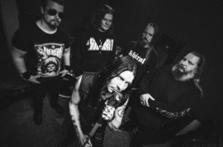 """Kotimainen metallijyrä Khiral julkaisee  Tiny People -näytteen tulevalta albumiltaan """"Pieninkin ansaitsee olla Se Suurin, vaikka vain hetken"""""""