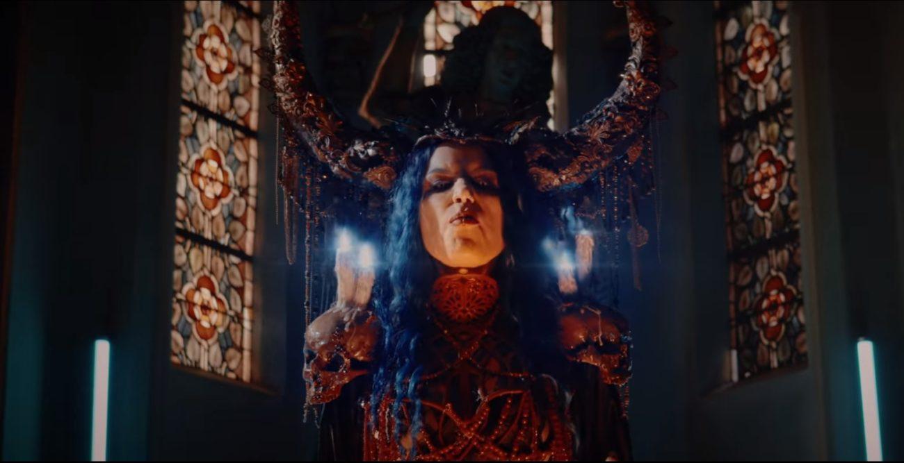 """Powerwolfin yhteistyö Arch Enemyn Alissa White-Gluzin kanssa katsottavissa """"Demons Are A Girl's Best Friend"""" -kappaleen musiikkivideolla"""