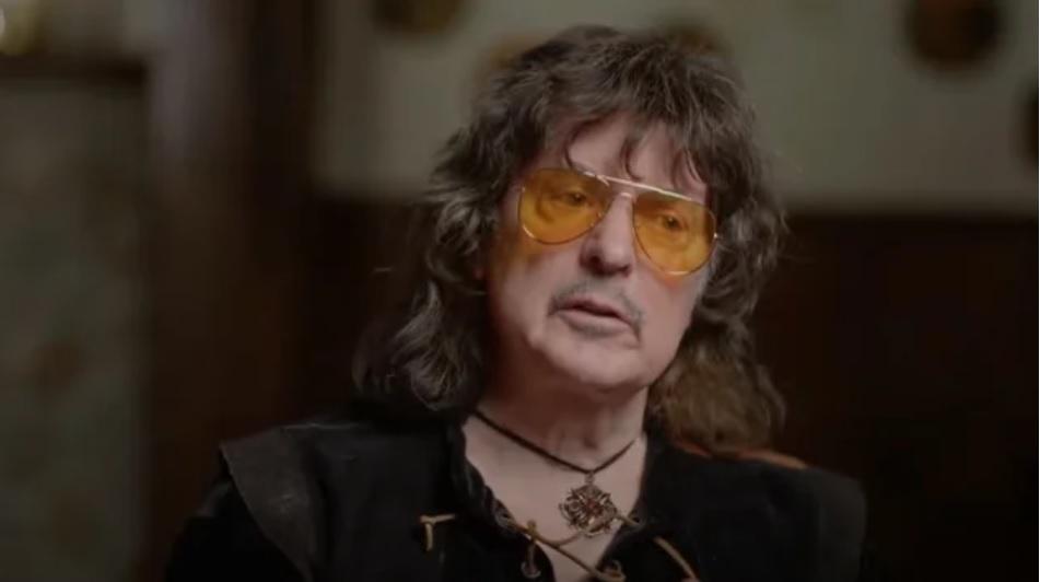 """Ritchie Blackmore: """"Halusin vuoden tauon keikkailusta koska vihaan matkustamista"""""""