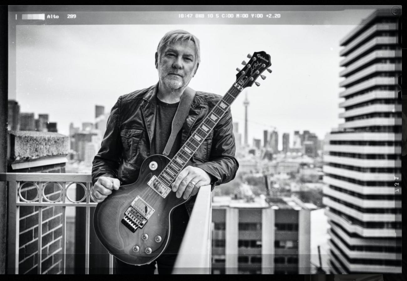 Rush-kitaristi Alex Lifeson julkaisi musiikkia ensi kertaa lähes kymmeneen vuoteen
