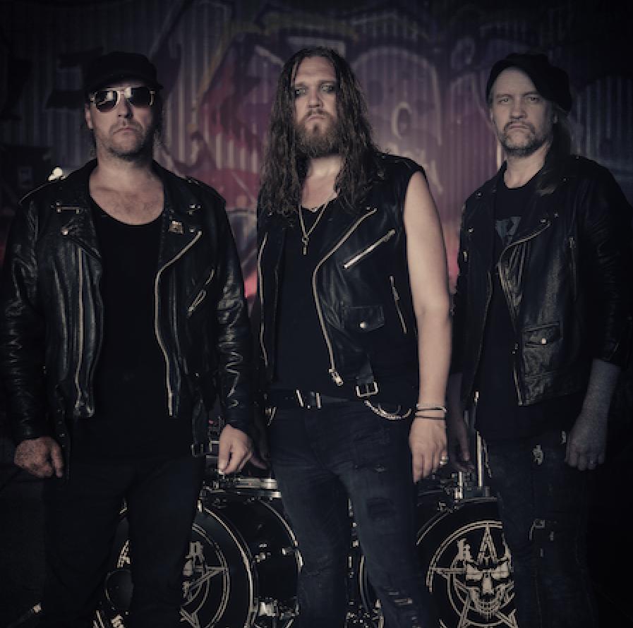 """Playground Musicille kiinnitetyltä ruotsalaiselta heavy metal -yhtyeeltä Knights Of The Realmilta uusi kappale """"When Metal Meets The Beast"""" kuunneltavissa"""