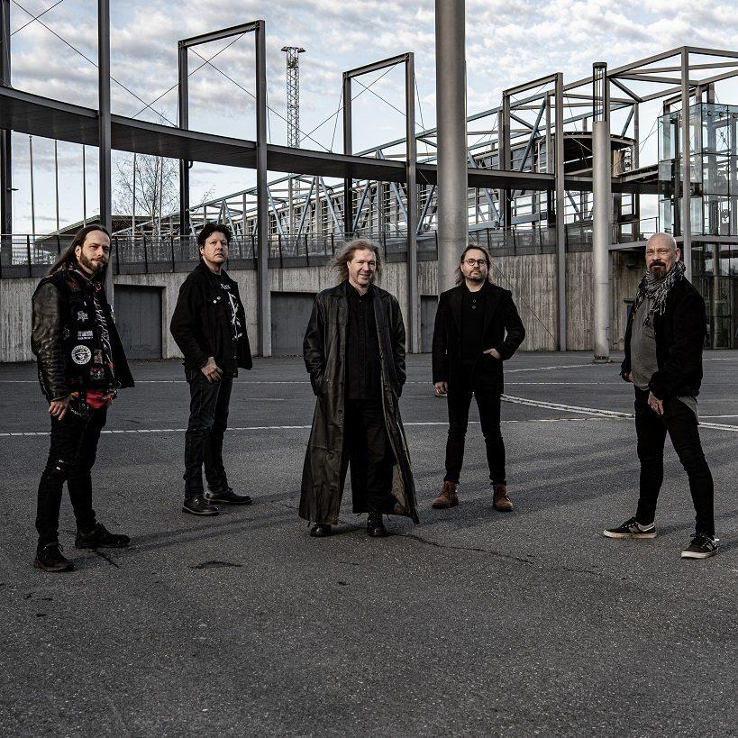 Esko Valtaojaa kuullaan Arched Firen uudella albumilla