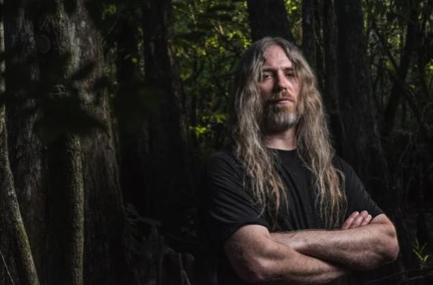 Cannibal Corpsen basisti Alex Webster kertoo tuoreessa haastattelussa avoimesti muusikonkramppi-nimisestä neurologisesta häiriöstä