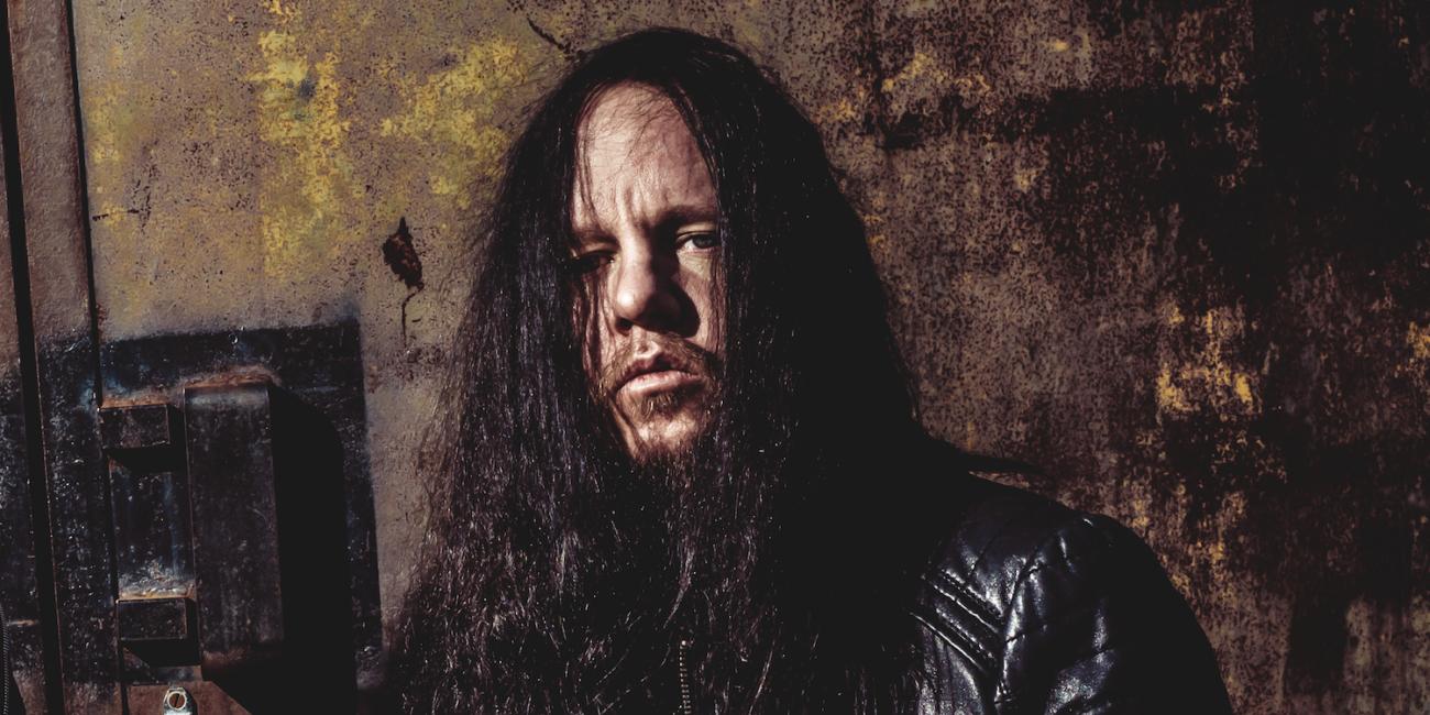 Slipknot pimensi sosiaalisen mediansa – metallimusiikin maailma muistelee Joey Jordisonia