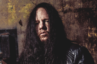"""""""Hän helvetti meni sinne ja näytti paitsi bändille, myös kaikille heidän faneilleen"""" – Corey Taylor muistelee Joey Jordisonin keikkaa Metallica-tuuraajana"""