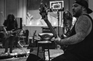 Suicidal Tendencies -basisti Ra Diaz toimii Fieldyn tuuraajana Kornin kiertueella