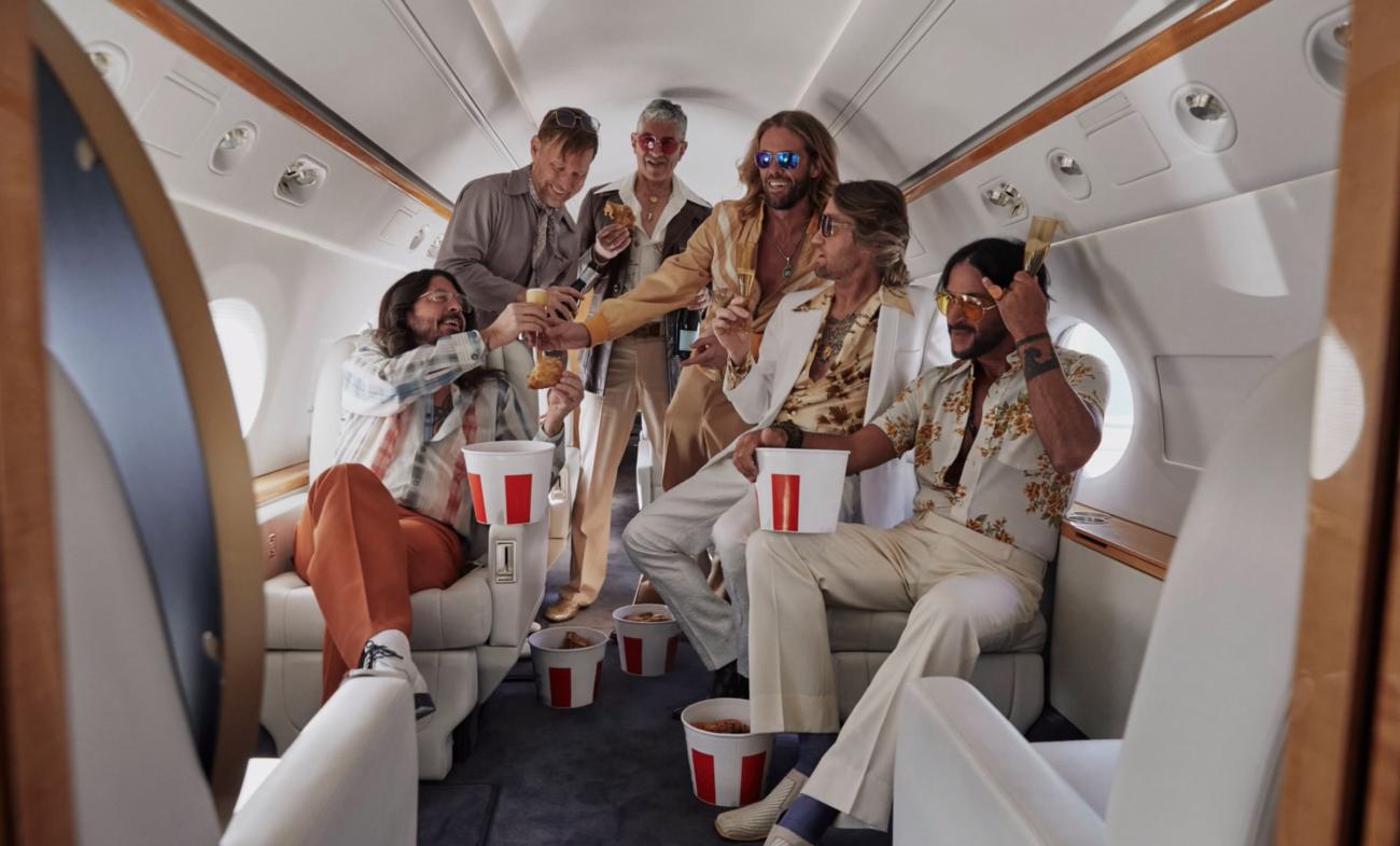 Foo Fighters julkaisi kourallisen Bee Gees -covereita ja live-äänitteitä