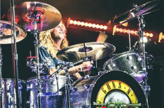 """""""Rummuissa herra Steven Adler"""": Guns N' Roses teki melkoisen fanipalveluksen uudella livejulkaisullaan"""