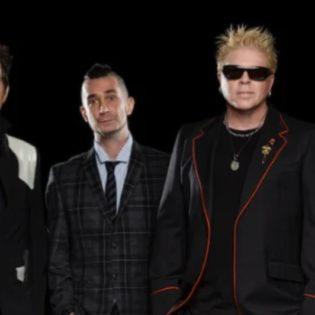 """The Offspring julkaisi kantaaottavalle kappaleelleen musiikkivideon: """"The Opioid Diaries"""" katsottavissa"""