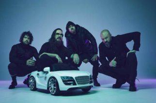 Erikoisia fanituotteita ja hämmentäviä musiikkivideoita – haastattelussa Australian System Of A Downiksi kutsuttu Twelve Foot Ninja