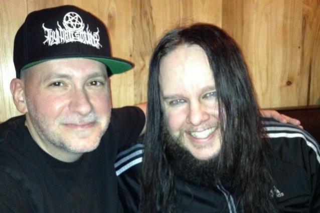 """Slipknotin aikoinaan RoadRunnerille kiinnittänyt Monter Conner muistelee Joey Jordisonia: """"Monet eivät tajua, että hän oli keskeisessä roolissa bändin alkupään tuotannossa"""""""