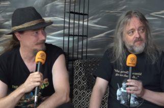 """Chaoszine tapasi Nightwishin Tuomas Holopaisen ja Troy Donockleyn Aurin tiimoilta Qstockissa: """"Näen meidän julkaisevan tämän bändin kanssa vielä monta albumia"""""""