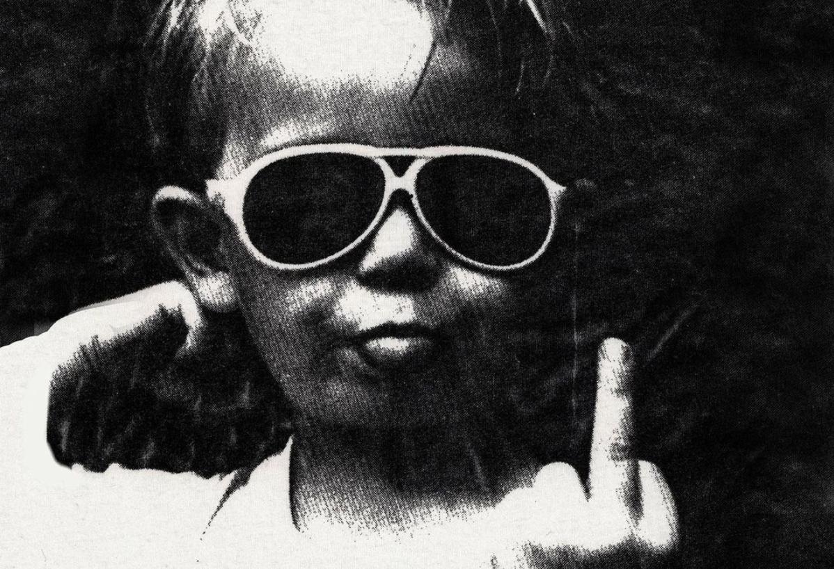 David Lee Roth vastaa Gene Simmonsin törkypuheisiin keskisormitulvalla