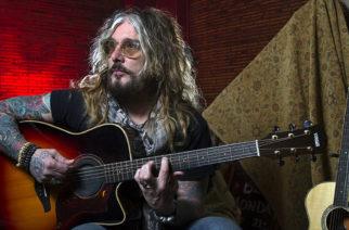 Mötley Crüen entinen vokalisti John Corabi julkaisee elämäkerran