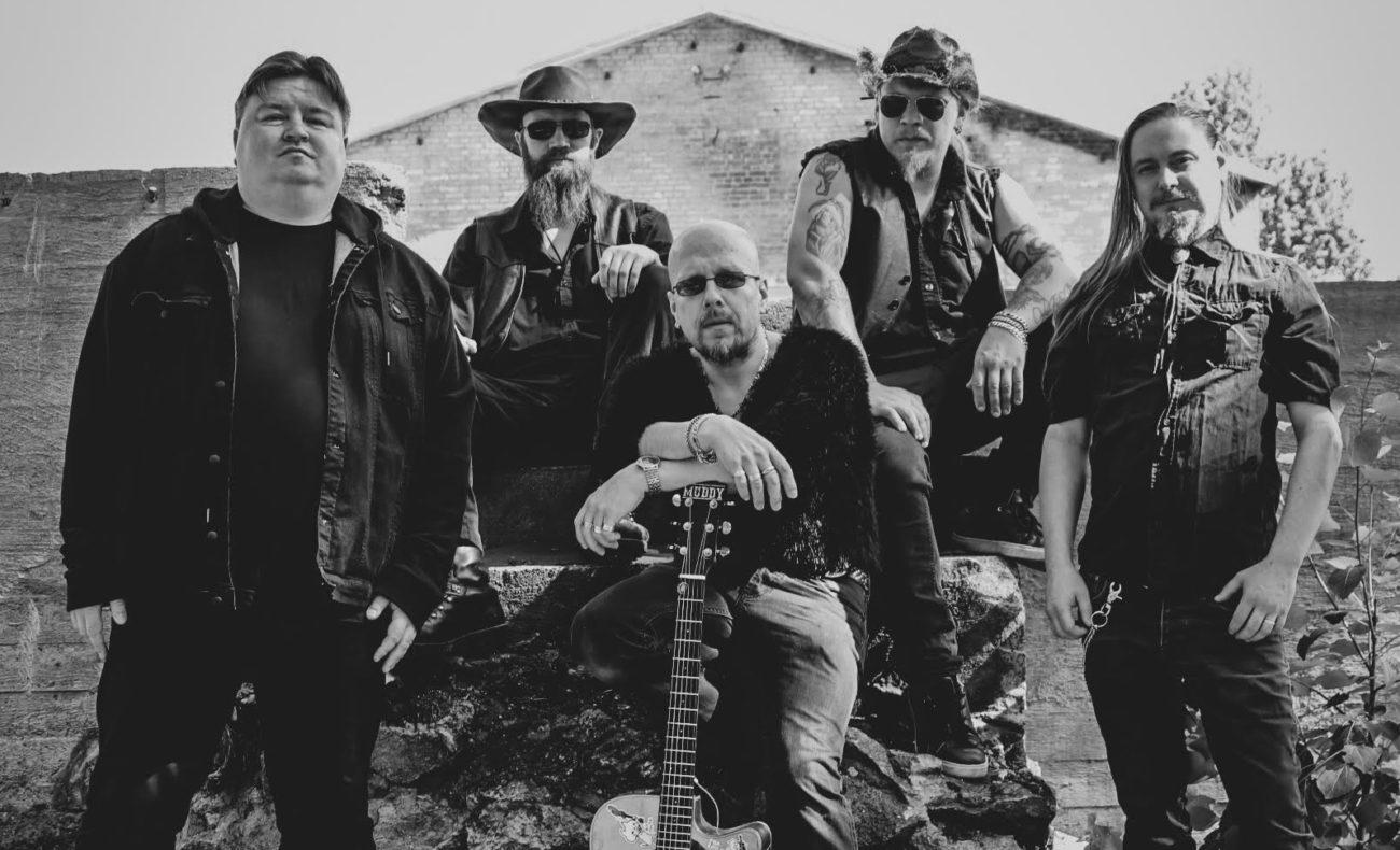 Southern rock -bändi Muddy Moonshine julkaisi tuplasinglen tulevalta toiselta albumiltaan!