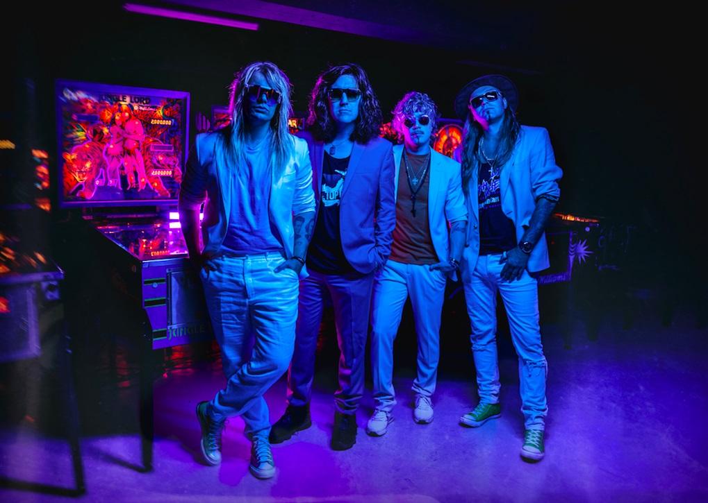 """Kansainväliselle AFM Recordsille kiinnitetty Reckless Love tekee paluun – uusi single """"Outrun"""" ilmestyi tänään"""