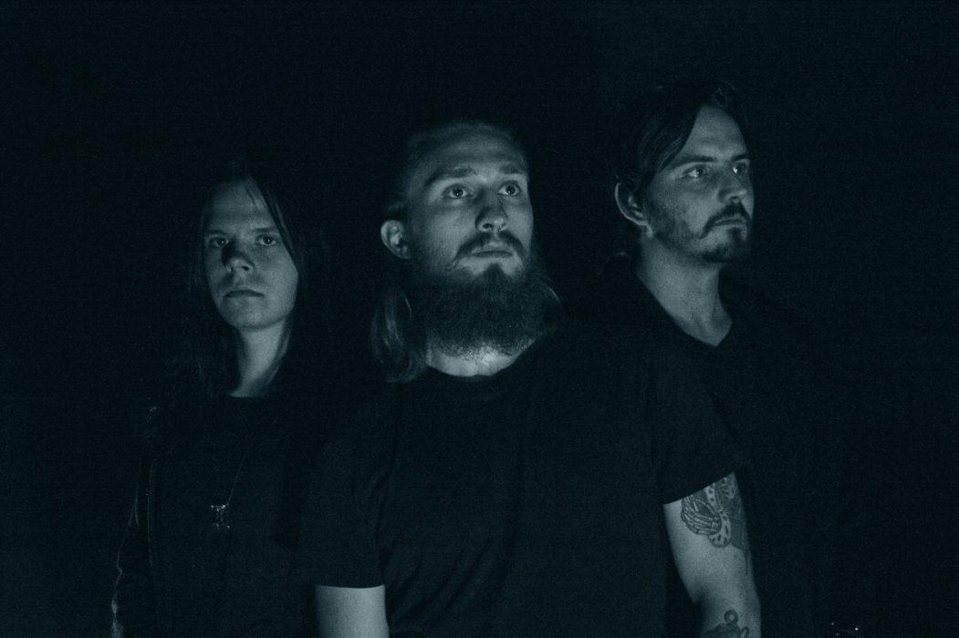 """Split Iris -trion """"Fog""""-EP on progressiivisen metalcoren juhlaa"""