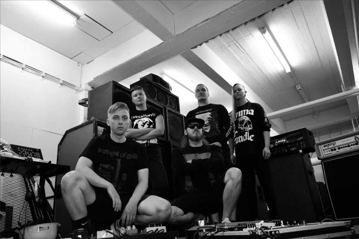 Vainoalta mustasävytteistä hardcorea sisältävä EP – avausbiisin video katsottavissa