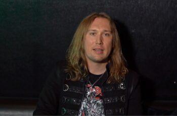 """Beast In Blackin Anton Kabanen tulevasta """"Dark Connection"""" -albumista: """"Kentaru Miuran kuolema tulee ilman muuta vaikuttamaan yhtyeen tulevaisuuteen"""""""