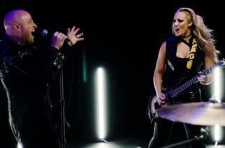 """Kitaristi Nita Strauss julkaisi uuden videon """"Dead Inside"""": mukana Disturbed-solisti David Draiman"""