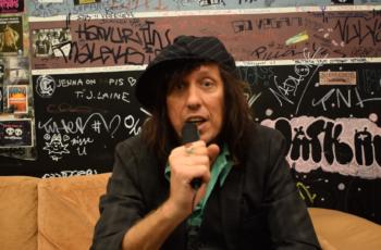 """""""Pelle Miljoona Oy, Hanoi Rocks, New York Dolls ja The Hellacopters ovat olleet hyvin mieleenpainuvia kokemuksia urallani"""" – Sami Yaffa KaaosTV:n haastattelussa"""